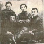 Смағұл Сәдуақасов Алашорда қайраткерлерімен (Атырау облыстық тарихи-өлкетану мұражайы қорынан)